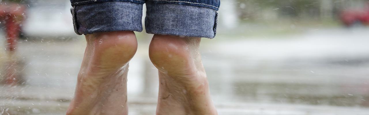 pieds nus douleurs pieds blessures